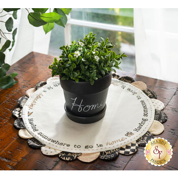 Scalloped Table Topper - Welcome Home - Kit