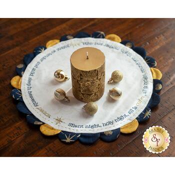Scalloped Table Topper - Silent Night - Kit