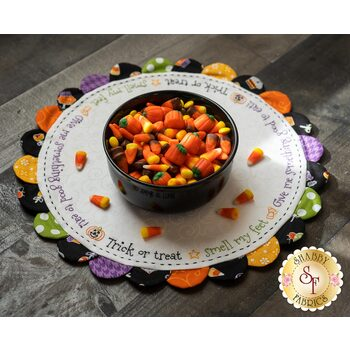Scalloped Table Topper - Trick or Treat - Kit
