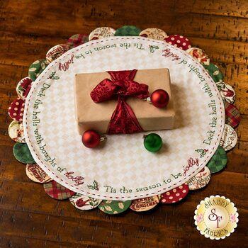 Scalloped Table Topper - Deck The Halls - Postcard Holiday - Kit