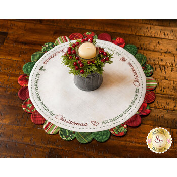 Scalloped Table Topper - Home For Christmas Kit - Old Time Christmas