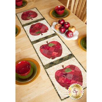 Patchwork Apple Table Runner Pattern