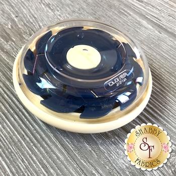 Clover Dome Threaded Needle Case