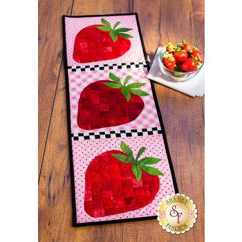 Patchwork Accent Runner - Strawberries - June - Kit