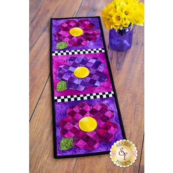 Patchwork Accent Runner - Pansies - May - Pattern