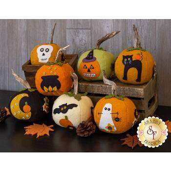 Eek! Spooks! Stuffed Pumpkins Kit - In Wool Felt