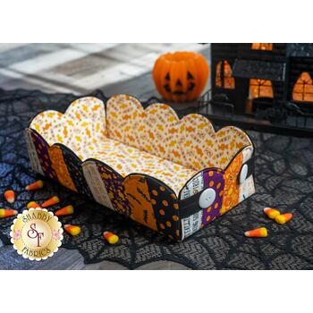 Scalloped Basket Kit - Ghouls and Goodies